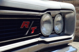 dodge-rt-hemi-front-lights